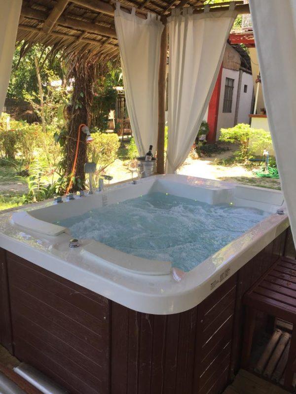 amami garden spa jacuzzi